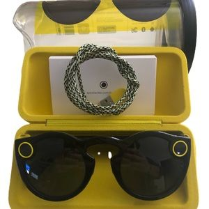 Accessories - Snapchat Spectacles - Complete Set